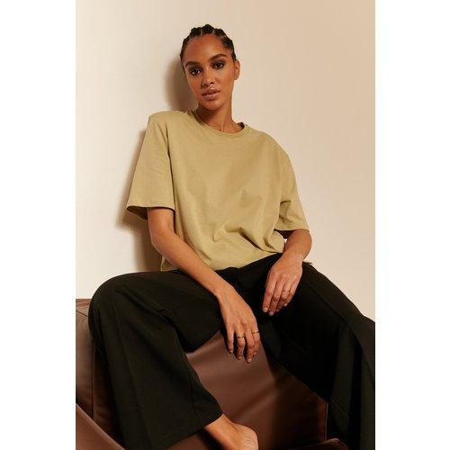 Biologique Tee-shirt À Épaules Rembourrées - Green - Oumayma x NA-KD - Modalova