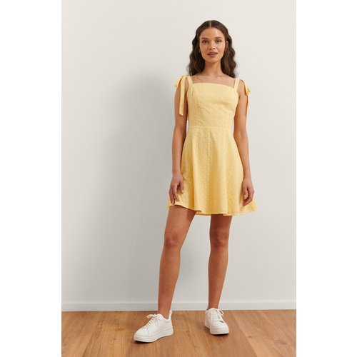 Mini Robe Brodée - Yellow - Rianne Meijer x NA-KD - Modalova