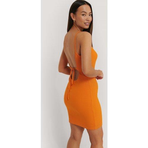 Robe En Jersey Côtelé À Dos Ouvert - Orange - Sara Sieppi x NA-KD - Modalova
