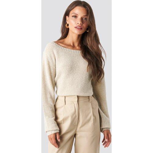 Boat Neck Knitted Sweater - Beige - Tina Maria x NA-KD - Modalova