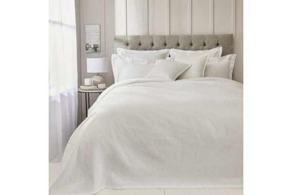 Nimes Bedspread White Single