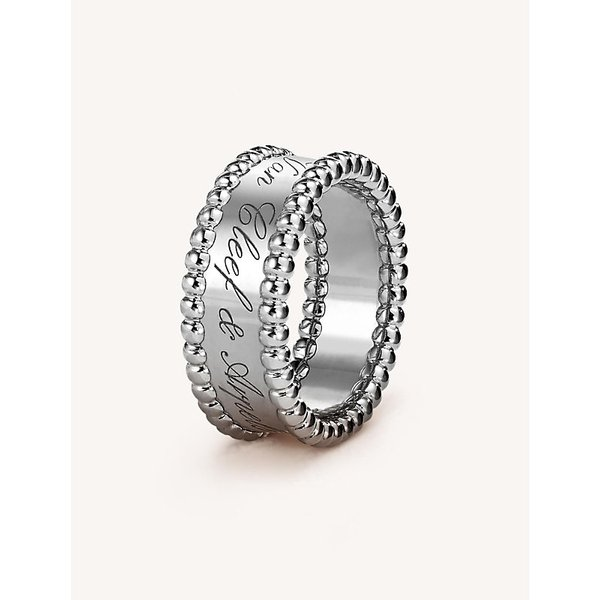 VAN CLEEF & ARPELS | Perlée Signature white-gold ring | Goxip