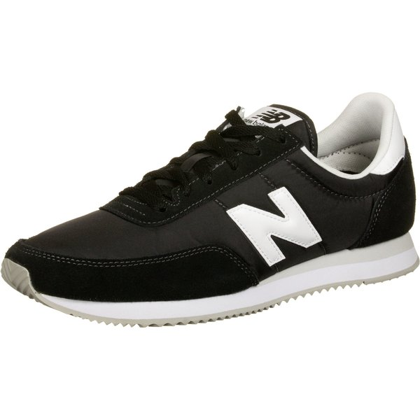New Balance  720  women's Shoes (Trainers) in Black
