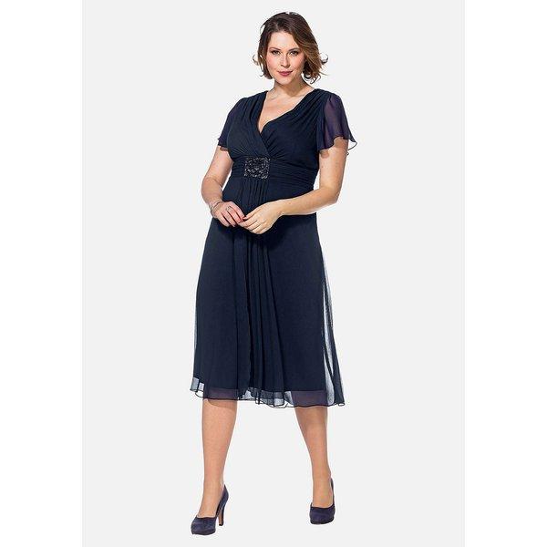 sheego Abendkleid mit funkelnder Schmuckbrosche Kleider dunkelblau Damen Gr. 52