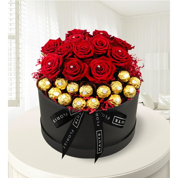 The Magnificent - Luxury Red Roses - Hat Box Flowers - Luxury Red Roses - Luxury Valentine's Flowers