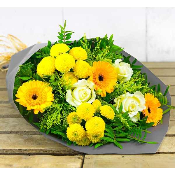 Golden Avalanche – Free Delivery - Roses, Germinis and Solidago – Flower Delivery by 123 Flowers