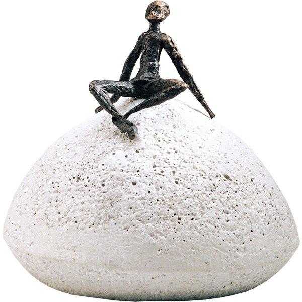 Luise Kött-Gärtner: Skulptur 'Zeit der Entspannung', Bronze auf Steinguss
