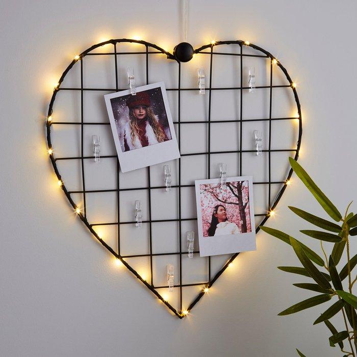 Dunelm Black Heart With Photo Pegs Light Black