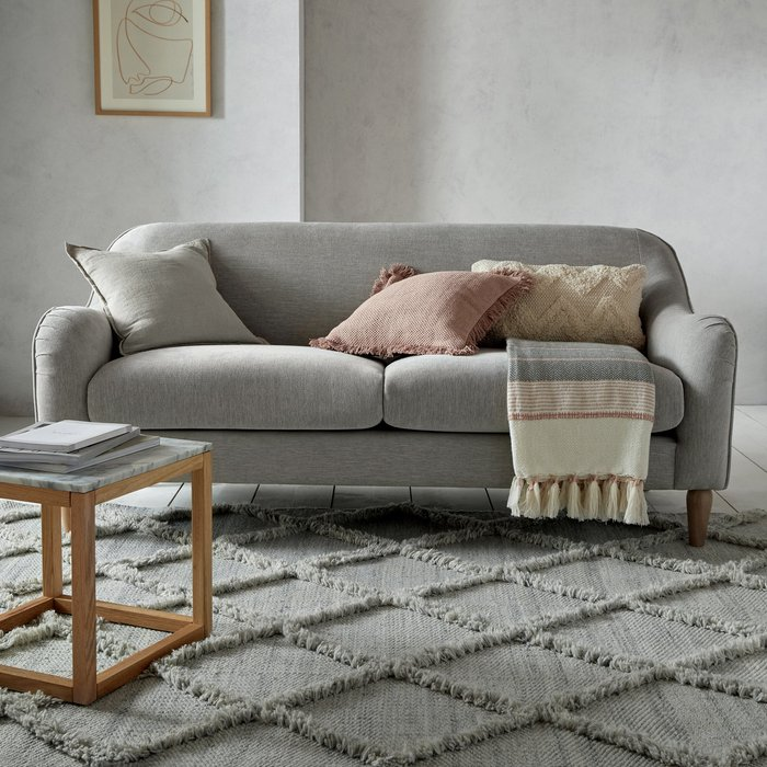 Dunelm Exclusive Thea Fringe Rug Thea Silver