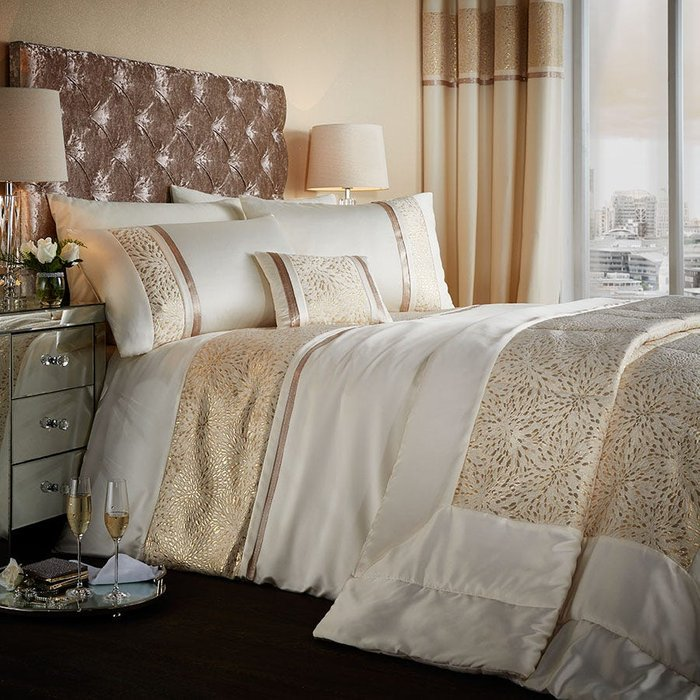 Catherine Lansfield Catherine Lansfield Luxor Jacquard Gold Bed Set