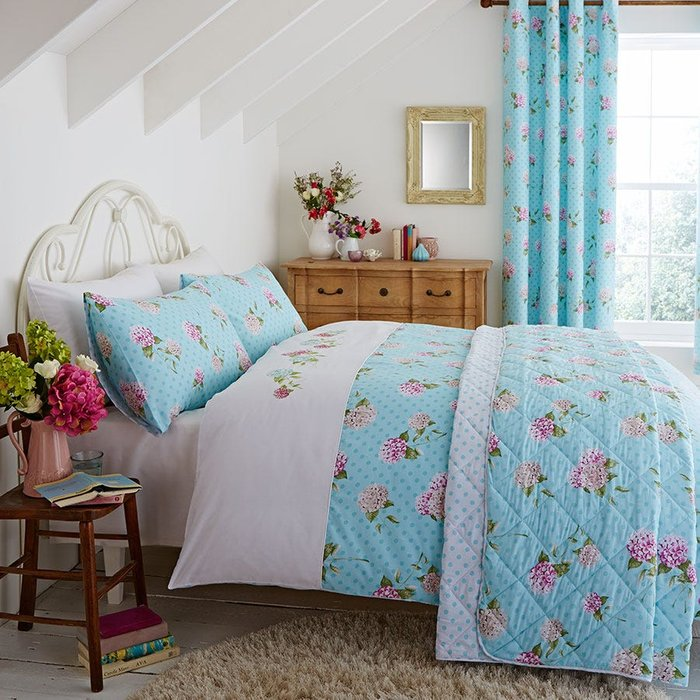 Catherine Lansfield Catherine Lansfield Embroidered Floral Bed Set - King
