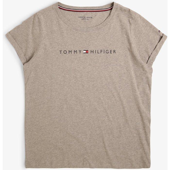 Artikel klicken und genauer betrachten! - Perfekt für gemütliche Sofa-Abende: Das Tommy Hilfiger T-Shirt wird mit der passenden Hose zum cozy Lounge-Set.   im Online Shop kaufen