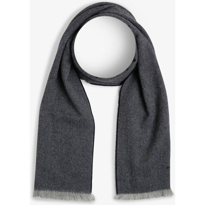 Artikel klicken und genauer betrachten! - Der Schal von Gant addiert eine stilvolle und klassisch-chice Note zu Outdoor-Looks – dabei setzt das Design auf ein zeitloses Fischgrätmuster.   im Online Shop kaufen