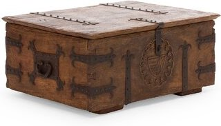 Aladin coffee table and chest