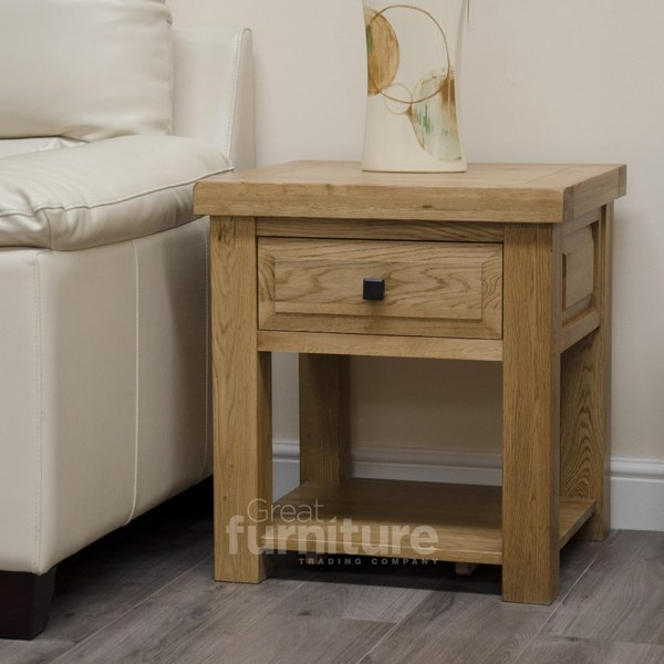 Photo of Deluxe side/ lamp table