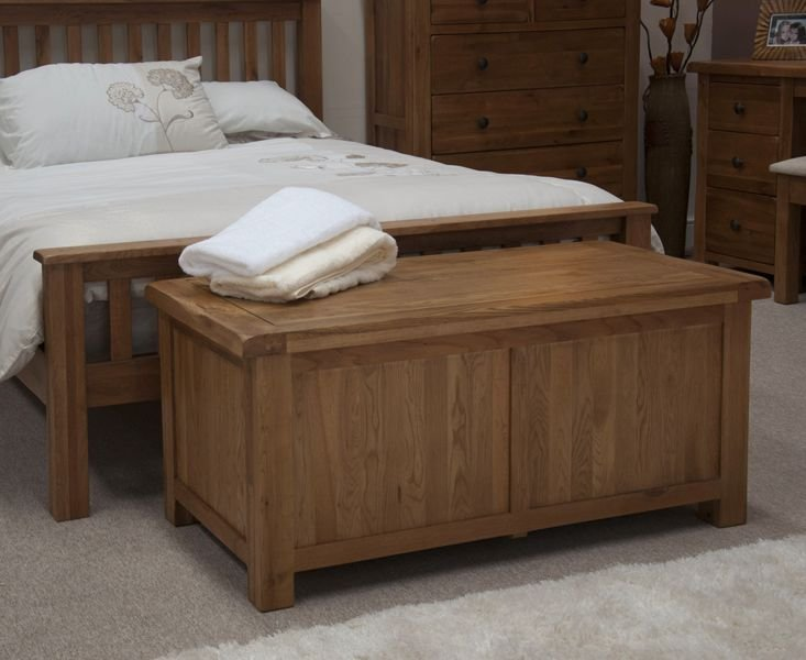Photo of Bramley oak blanket box