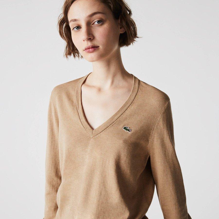 Artikel klicken und genauer betrachten! - Dieser leichte Pullover mit V-Ausschnitt ist ein Premium-Basic. Aus Bio-Baumwoll-Jersey gefertigt, bietet dieses Teil raffinierte Abschlüsse. Ein Klassiker für diese Saison. | im Online Shop kaufen